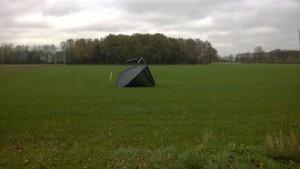 Trampoline meegenomen door de wind